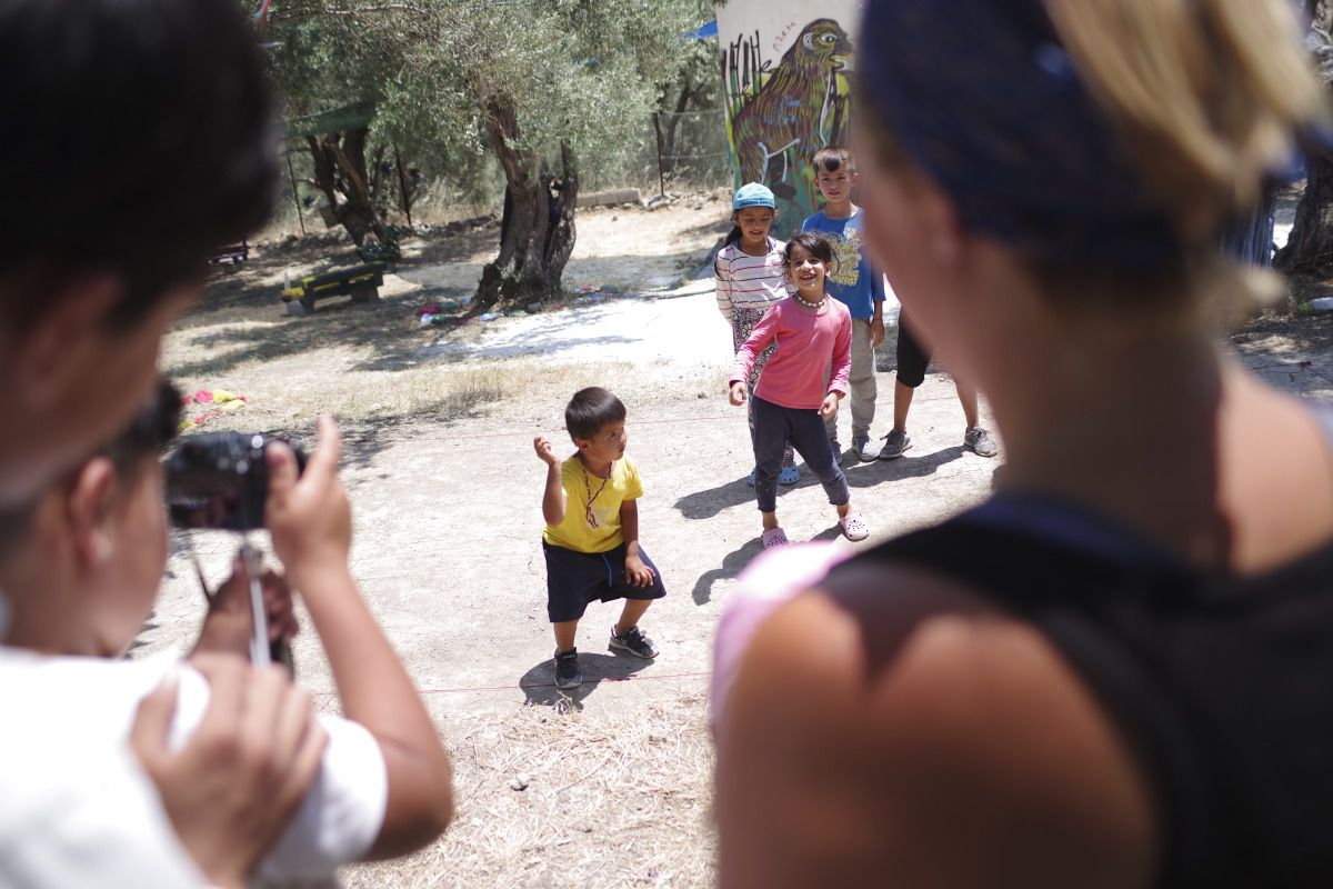 medland-project-stories-refugee-camp-near-lesbos-greece
