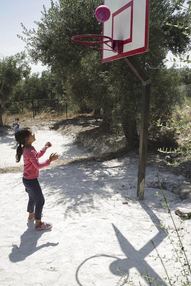 refugees-camp-moira-camp-near-lesbos-greece-refugees-4-refugees-med-land-project
