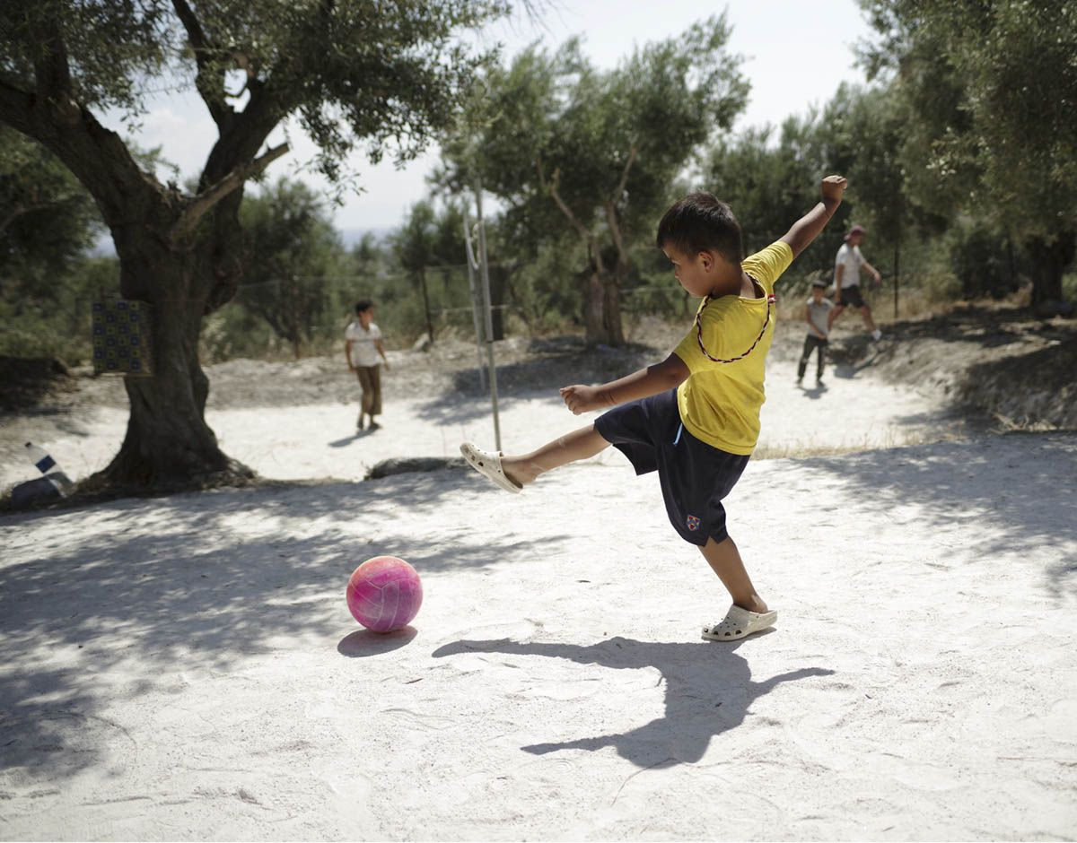 refugees-for-refugees-near-lesbos-greece-medland-project-stories